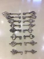 Antik Ezüst Kulcsok  Egyedi És Ritka Gyűjteményem Eladó &  Csere Is LEÁRAZVA !