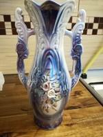 Porcelán váza gyöngyházfényű, rózsákkal