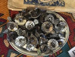 Antik  gyertyatatók fenyőfára és kiscsengők
