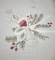 Karácsonyi hímzett asztalterítő,  80 x 85 cm
