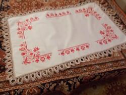 Szép régi irásos asztal teritő
