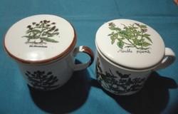 2 db teás csésze  szűrővel, fedővel