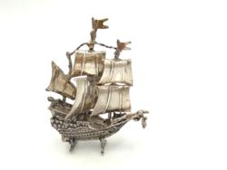 Ezüst vitorlás a 15. századból mozgó részekkel  49 g 1960-as évek