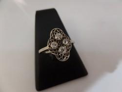 Fehér arany art deco gyűrű brillekkel