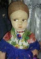 Lenci stílusú népviseletes baba