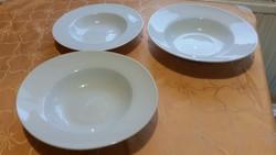 Porcelán, VARDAGEN 2 db ovális mély tányér, 1 db kerek mély salátás tányér eladó!