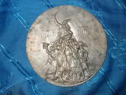 Régi fém honfoglalás milleniumi dísz 896-1896