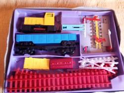Retró 0-s méretű bánya játék vasút,vonat készlet a 80' évekből.