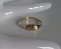 14K arany, vékony lemezgyűrű 0,86g