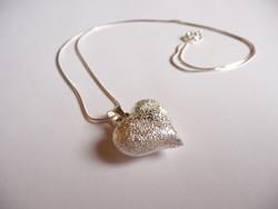 Ezüst nyaklánc szív medállal