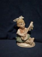 Porcelán figura