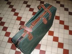 Villámzáras, nagyméretű, húzható vászonbőrönd (74 x 52 x 24 cm)