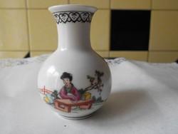 Kínai kézzel festett jelzett  porcelán váza
