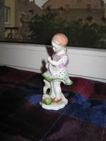 HERENDI bűbájos, Kislány babával