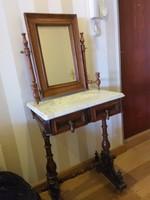 Antik fésülködő asztalka