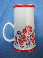 Hollóházi porcelán piros-kék mintás sörös korsó