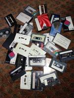 Sok kazetta együtt csomagban régi használt szalagos hangkazetták