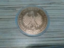 Német aranyozott emlék érme kapszulával