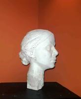 Életnagyságú szobor fej