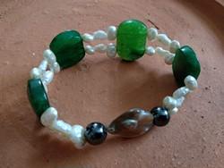 Zöld  fehér ásványos karkötő, női alkalmi ásvány ékszer
