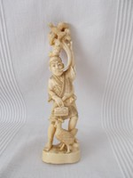 Okimono,japán faragott szobor