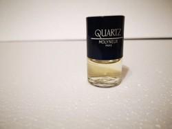 Retro parfümös üveg parfümmel