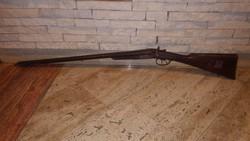 (centerfire),külső kakasos,ütőszeges dupla puska