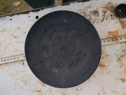20 centis fekete tányér, mély mintával