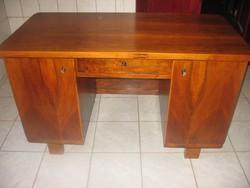 Csodaszép Art deco íróasztal, jól pakolható Frissen felújítva! Térbe is helyezhető!