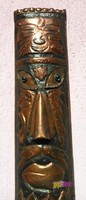 Dél afrikai vörösréz szertartási maszk, kalapált, és szegecselt elemekkel, üveg szemekkel