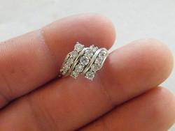 KK493  9 karátos fehér arany gyűrű cirkónia kövekkel ékesítve 53 méret