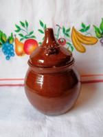 Barna fűszeres edény