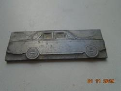 Nyomda technika vastag fém (ólom?) lemezen vintage autó modell