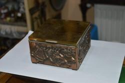 Iparművészeti réz doboz