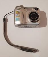 Nikon Coolpix 3100 Retró Digitális Fényképezőgép.