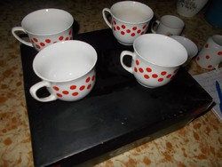 4 pöttyös teás bögre