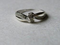 KK536  9 karátos fehér arany gyűrű fémjelzett