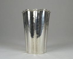 0W378 Régi kalapált jelzett olasz ezüst váza 188 g