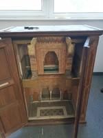 Arab ima szekrény