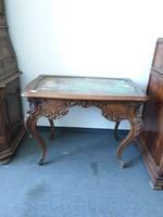 Barokk faragott asztal
