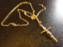 Aranylánc kereszt , feszület medállal 14 krt , 5.37 gramm