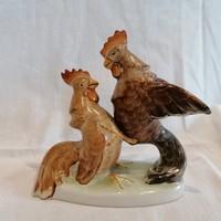 Kakaskodók porcelán szobor