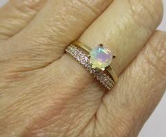 Szépséges valódi opál 14kt aranygyűrű
