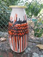 Gorka Lívia jellegű jelzetlen 41 cm magas váza.