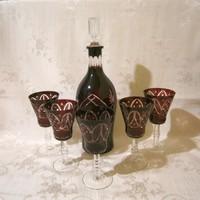 F_038 Bordó kristály likőrös készlet nagy üveg, kiöntő és 5 db talpas pohár