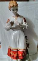 Figurális orosz porcelán .