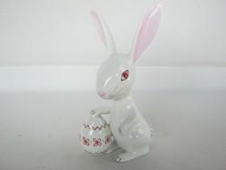 Aquincumi porcelán nyuszi húsvéti tojással