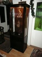 Gyönyörű, karcsú, keskeny, szecessziós antik üveges vitrin belső világítással
