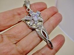 Gyönyörű régi  angyal medál  kézműves hosszú ezüstláncon 79cm