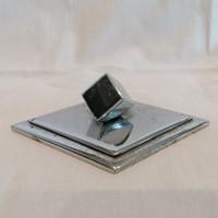 Art Deco papír-levélnehezék , álló kocka